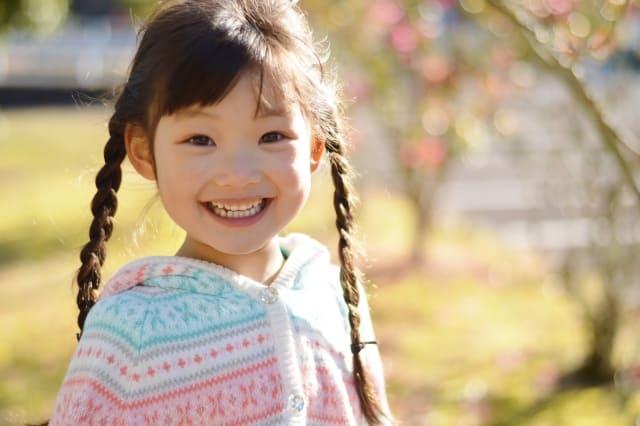 不器用ママでも大丈夫。幼稚園にしていきたい子どものヘアアレンジ動画6選!