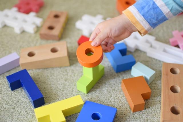 子どものおもちゃはまとめて一気に片付ける。リセットタイムはいつが最適?