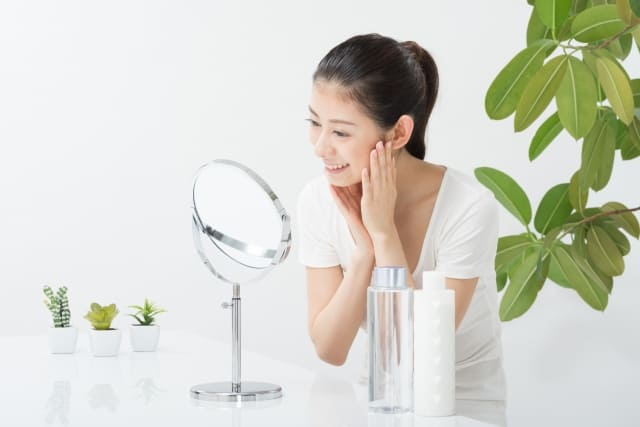 自分の肌質の変化に気づいていますか? 肌診断は定期的に受けよう。